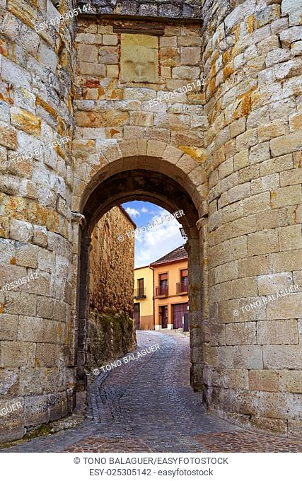 Zamora door of Dona Urraca in Spain by the via de la Plata way of Saint James