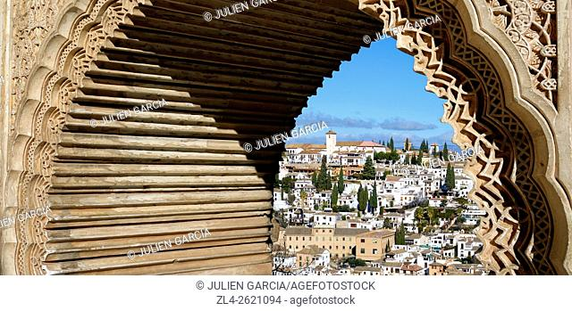 Spain, Andalusia (Andalucia), Granada, the Albaicin district (Albayzin, old Arab Quarter), built on a hill, seen from a window of the the Ladies Tower (Torre de...
