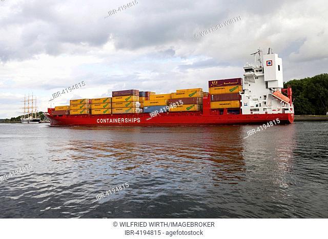 Container ship, Travemünde, Lübeck, Schleswig-Holstein, Germany
