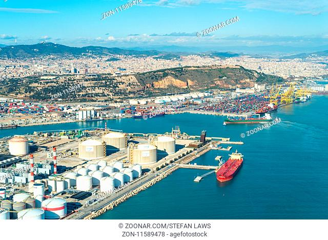 The Zona Franca Port is located in the south of the City. It is the industrial harbor of the Barcelona. This industrial area, included the airport