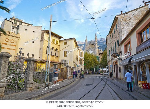 Tram tracks leading to the main square, Soller, Mallorca, Balearic islands, Spain
