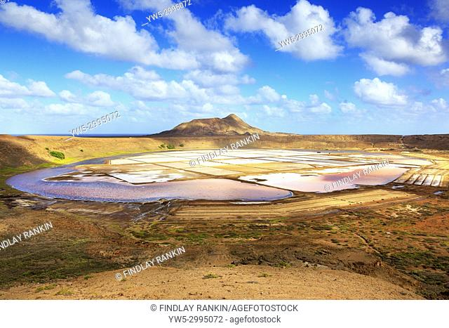 View north to Monte Grande over the salt ponds of Pedra de Lume, Sal, Salinas, Cape Verde, Africa