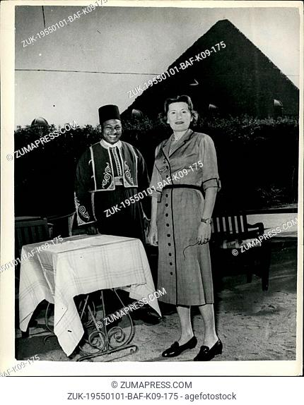 Jan. 01, 1955 - Countess Edda Ciano on visit to the Pyramids: Photo Shows Countess Edda Ciano - daughter of the ill-fated Mussolini - one time dictator of Italy...