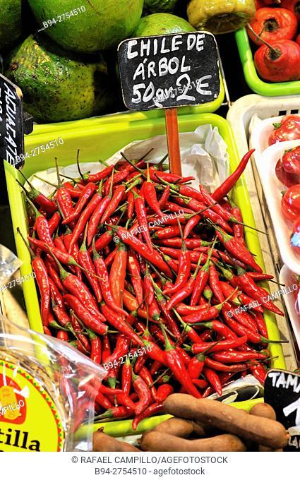 Hot peppers, Chile árbol, at La Boquería market, Barcelona. Catalonia, Spain