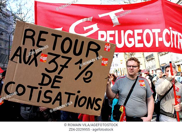 Procession and sign of the trade union CGT of Peugeot-Citroën during a demonstration against the pension reform, Paris, Île-de-France, France, Europe