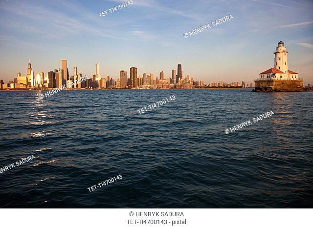 USA, Illinois, Chicago, City skyline over Lake Michigan