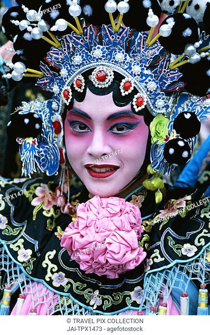 Chinese Opera (Beijing Opera) / Actor Dressed in Costume / Portrait, Beijing, China
