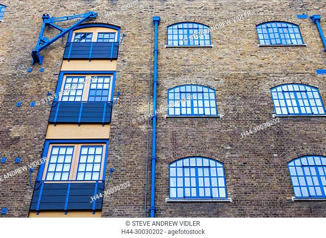 England, London, Wapping, Millers Wharf Apartments