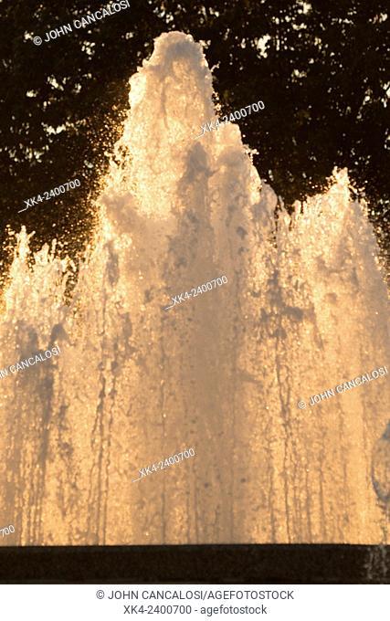 Fountain, near US capitol building, Washington DC, USA