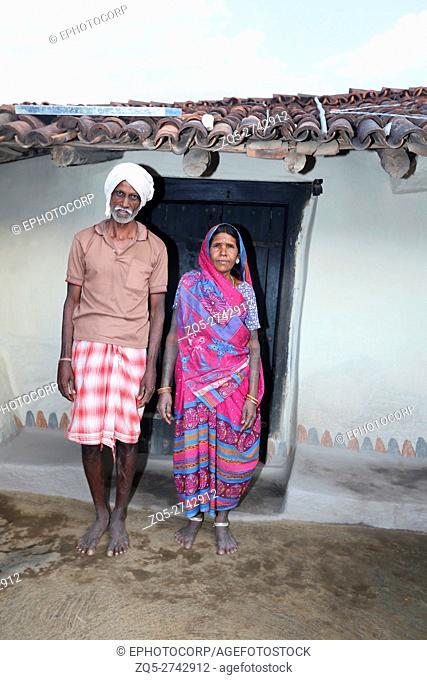 Couple, Khairwar tribe, Chiniya village, Dist Balrampur, Chattisgarh, India