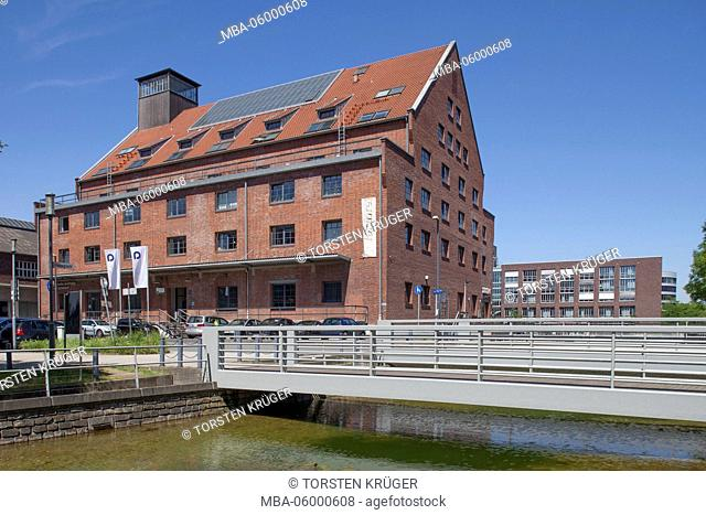 Faktorei 21, historical industrial architecture at inner harbour, Duisburg, Ruhr area, North Rhine-Westphalia, Germany, Europe