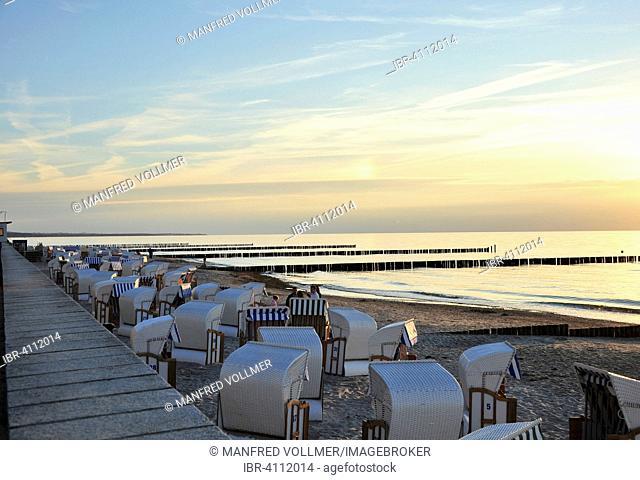 Evening beach scene, Baltic Sea resort, Nienhagen, Mecklenburg-Western Pomerania, Germany