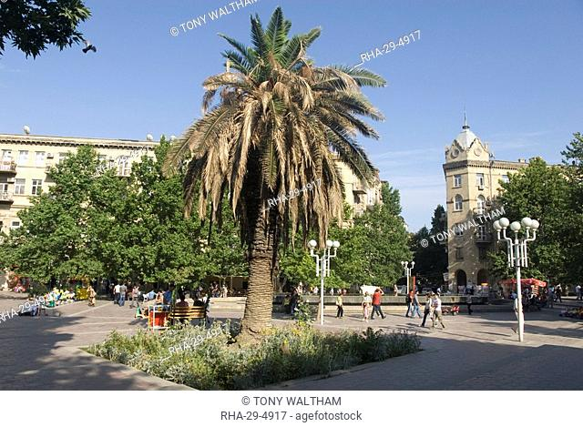 Fountains Square, the main open area in the middle of the city, Baku, Azerbaijan, Central Asia, Asia