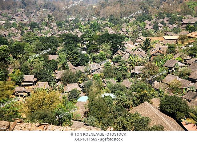 View of refugee camp in Mae Sot  Around 130,000 Burmese refugees have settled in Thailand due to opression in their homeland of Myanmar Burma  Approximately 30