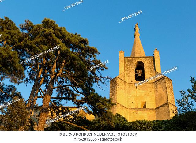 church in Bonnieux, Luberon, Vaucluse, Provence, France