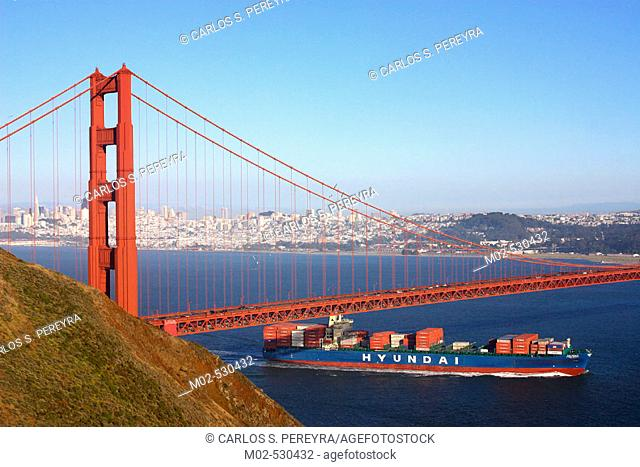 Golden Gate bridge. San Francisco. USA