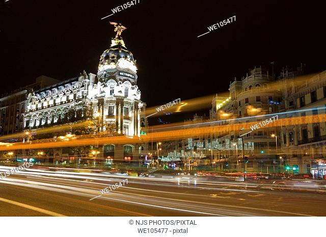 Night viwe of Metropolis building, junction of Alcalá and Gran Vía streets Comunidad de Madrid, Spain, Europe