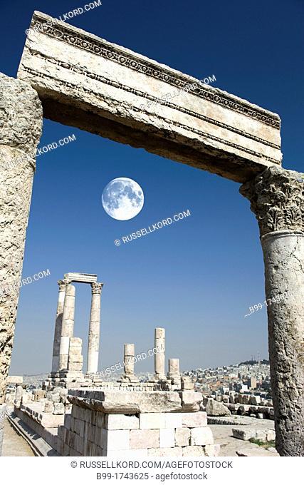 Roman Temple Of Hercules Ruins Of Citadel Amman Jordan