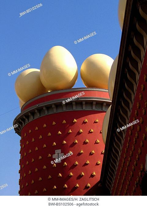 Salvador Dali, Teatro Museo Dali, concrete eggs, Spain, Costa Brava, Figueres