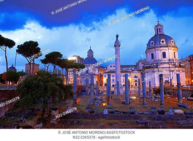 Trajan's Forum, Foro di traiano, Santa Mar'a di Loreto Church at Dusk, Roman Forum, Rome, Lazio, Italy, Europe