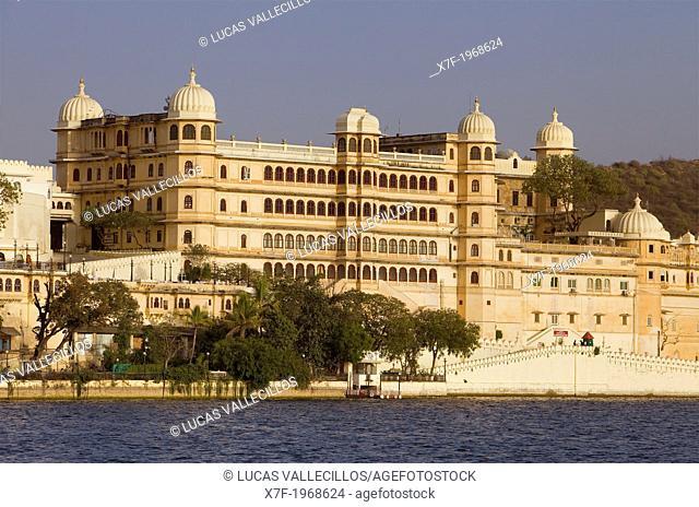 City Palace and Pichola Lake,Udaipur, Rajasthan, india