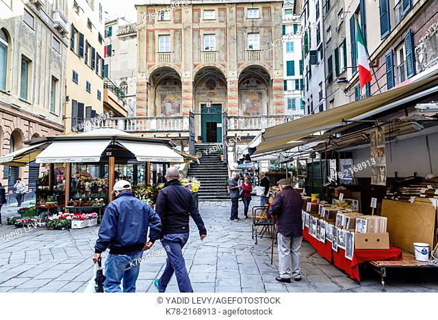 Piazza Banchi in the old town, Genoa, Liguaria, Italy