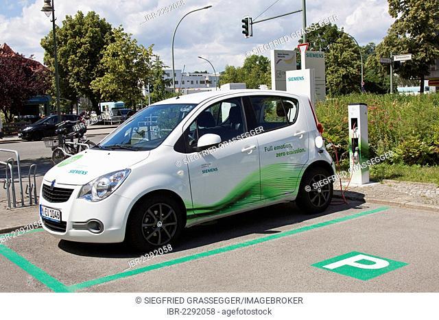 Electric car, Siemens, fuel station, charging station, RWE, car park