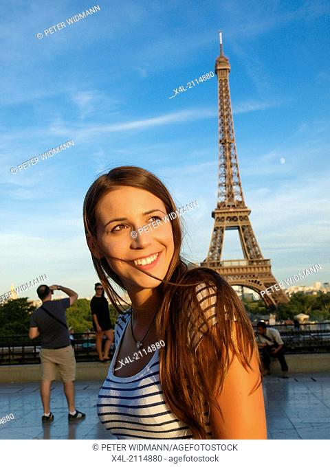 young beautiful woman in Paris, France, Paris (model-released)
