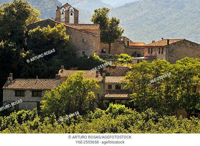 The Prades Mountains village of Farena, Tarragona