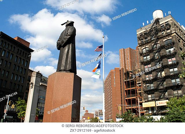 Chatham Square in Chinatown, Manhattan has erected a statue of Lin, commemorating the pioneer in real combat drug work. Manhattan, New York, USA
