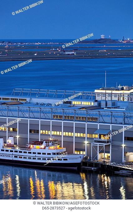USA, Massachusetts, Boston, Boston Harbor, dusk