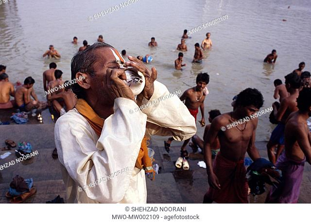 Hindu during his puja morning prayer Stock Photos and Images   age