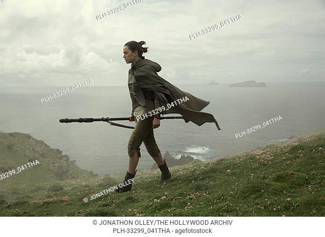 """""""Star Wars: The Last Jedi"""" (2017) Rey (Daisy Ridley) Lucasfilm Ltd"