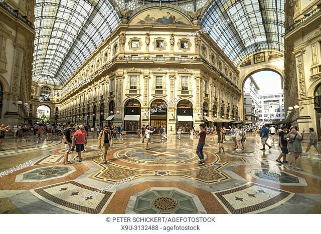 Einkaufsgalerie Galleria Vittorio Emanuele II, Mailand, Lombardei, Italien | shopping mall Galleria Vittorio Emanuele II , Milan, Lombardy, Italy