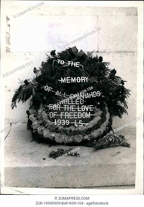 Sep. 09, 1959 - Wreath on the Cenotaph in Protest Against visit of Spanish Foreign Minister to London. View of the wreath which was lying at the foot of the...