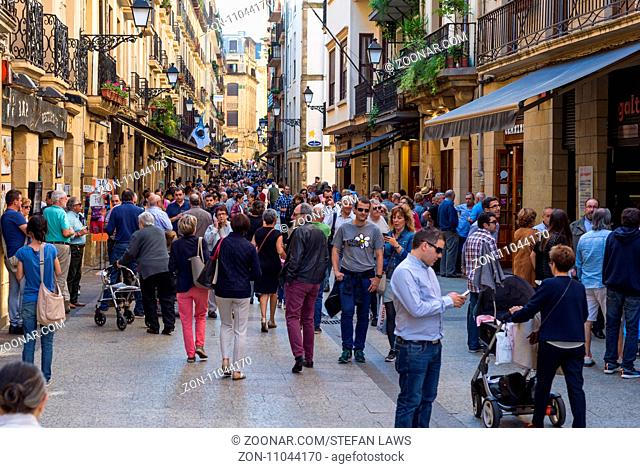 The old town, in basque Parte Vieja, located lots of bars, pubs and restaurants, and is a main tourist attraction in the city of San Sebastian