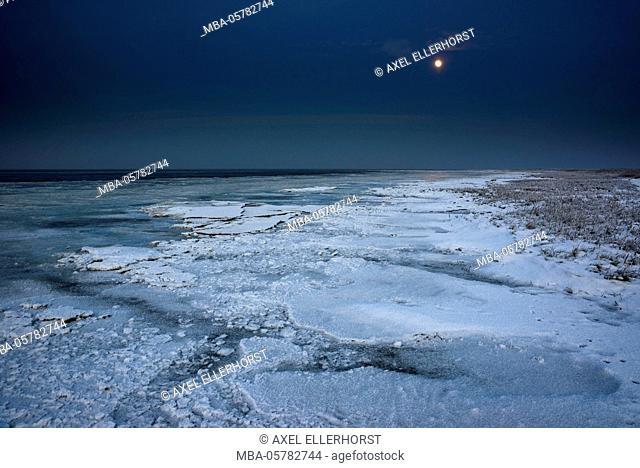 Ice floes iat the Wadden Sea, moonlight, Dangast, Jade Bay, the North Sea, Frisia, Lower Saxony, Germany