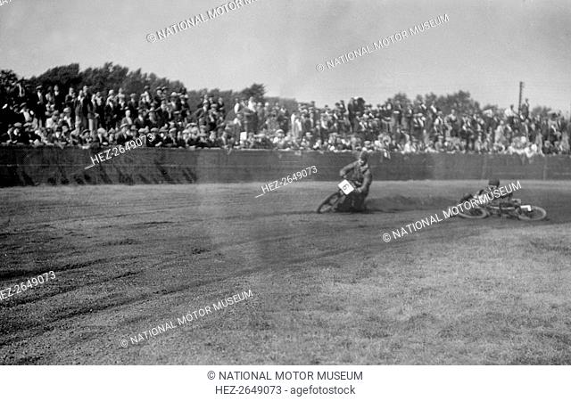 Speedway race at Lea Bridge Stadium, Leyton, London, 1928.  Artist: Bill Brunell