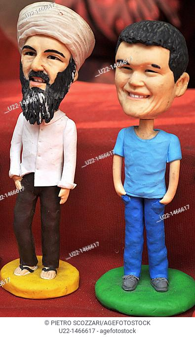Shanghai (China): handmade statuettes of Osama Bin Laden and Yao Ming sold at the Yuyuan Bazaar, in the Old Town