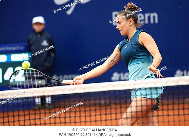 20 May 2019, Bavaria, Nuremberg: Tennis: WTA-Tour - Nuremberg, single, women, 1st round. Paula Ormaechea, tennis player from Argentina, plays the ball