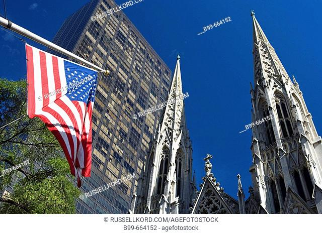 St. Patrick's Cathedral, Midtown Manhattan, Nyc, USA