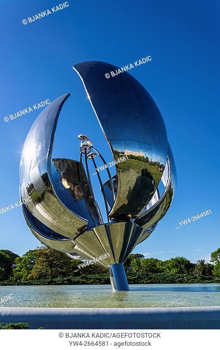 Floralis Generica sculpture by Eduardo Catalano, 2002, Plaza de las Naciones Unidas, Buenos Aires, Argentina