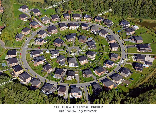Meienrund housing estate, circularly arranged housing development, residential neighborhood with single family homes, aerial view, Meiendorf, Hamburg, Hamburg