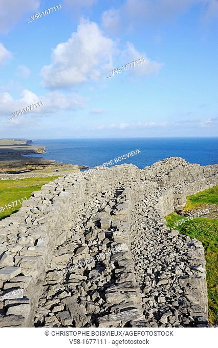 Ireland, County Galway, Aran Islands, Inishmore, Dun Aengus Dun Aonghasa fort