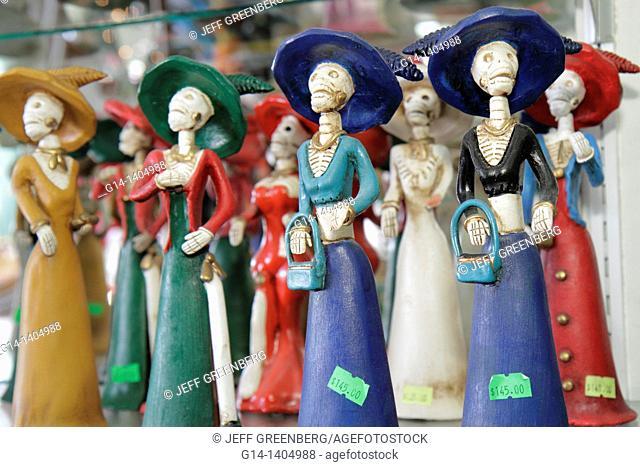Mexico, Yucatán Peninsula, Quintana Roo, Cancun, Mercado 28, market, shopping, souvenir, figurines, skeletons, tradition, Day of the Dead, All Souls Day