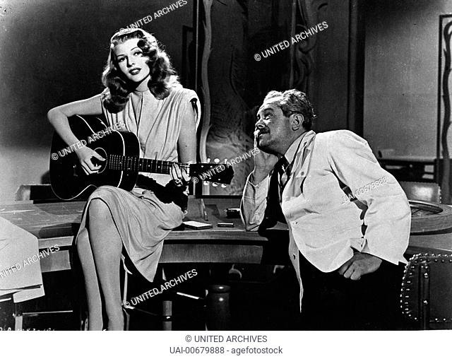 GILDA USA 1946 Charles Vidor RITA HAYWORTH as Gilda (with guitar). Regie: Charles Vidor / GILDA USA 1946
