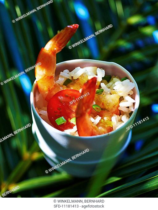 Rice with prawns and tomatoes