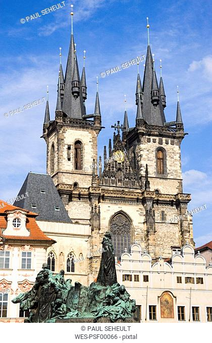 Czech Republic, Prague, Church of Our Lady before Tyn, monument in foreground