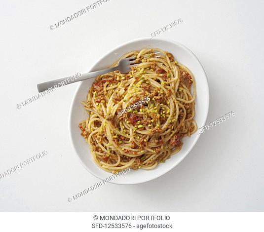 Chitarra con le briciole (pasta with tomatoes, anchovies and pistachios, Italy)