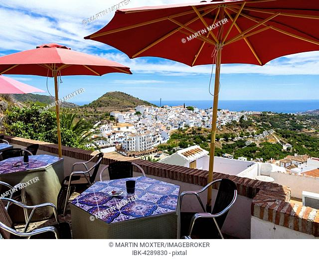 View of white houses in Frigiliana, Costa del Sol, Andalucía, Spain